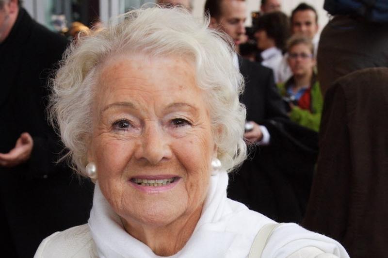 Annie de Reuver (98) overleden